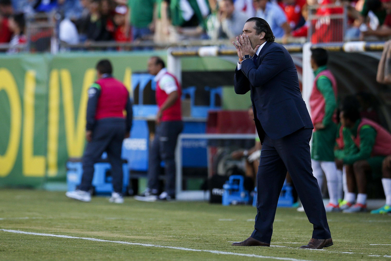 FOX12. FOXBOROUGH (MA, EE.UU.), 10/06/2016.- El seleccionador de Chile Juan Antonio Pizzi dirige ante Bolivia hoy, viernes 10 de junio de 2016, en un partido entre Chile y Bolivia en el grupo D de la Copa América Centenario jugado en el estadio Gillete en Foxborough (EE.UU.). EFE/LISA HORNAK