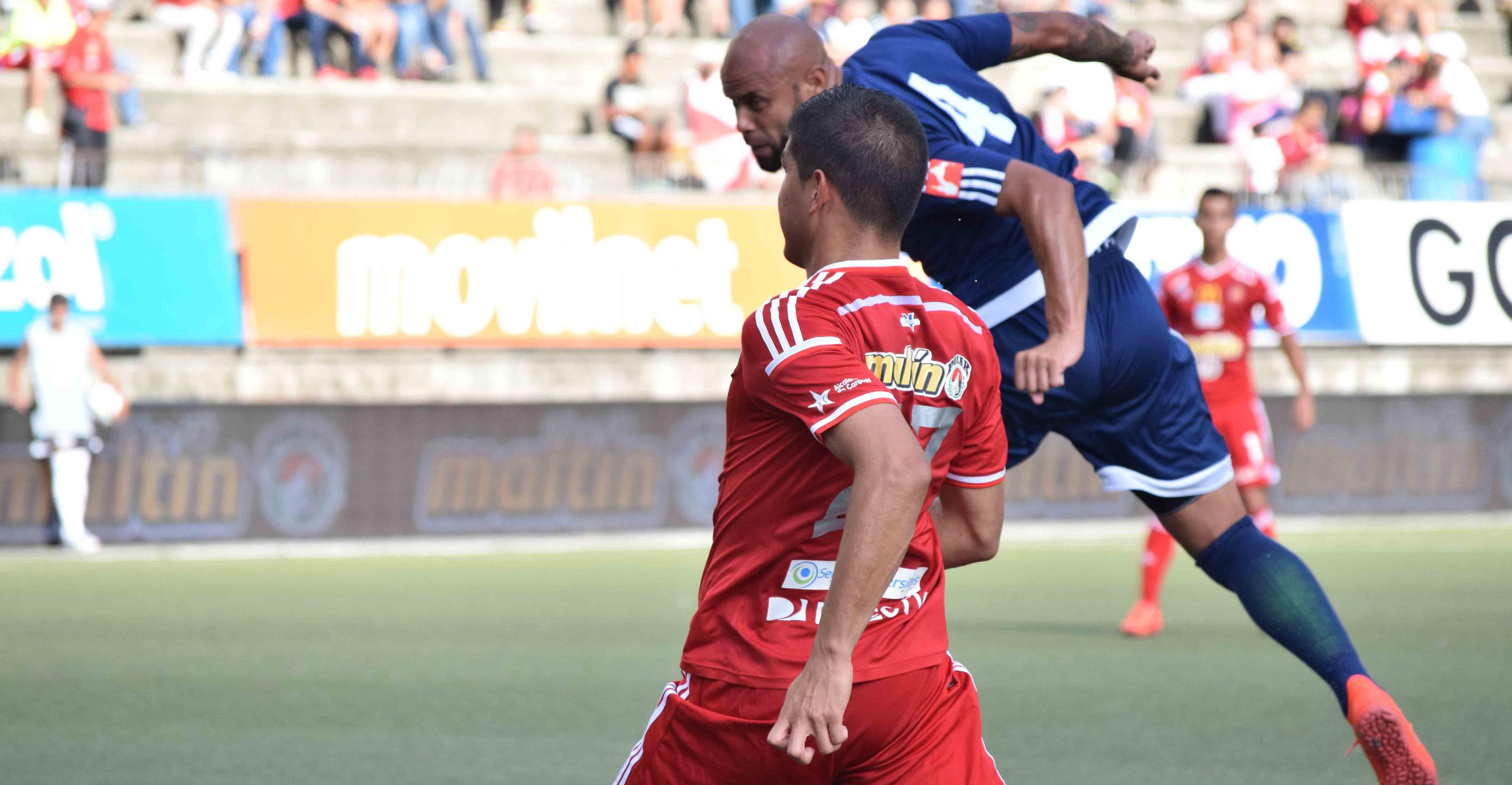 Hugo Soto plasmó el 0-2 de cabeza