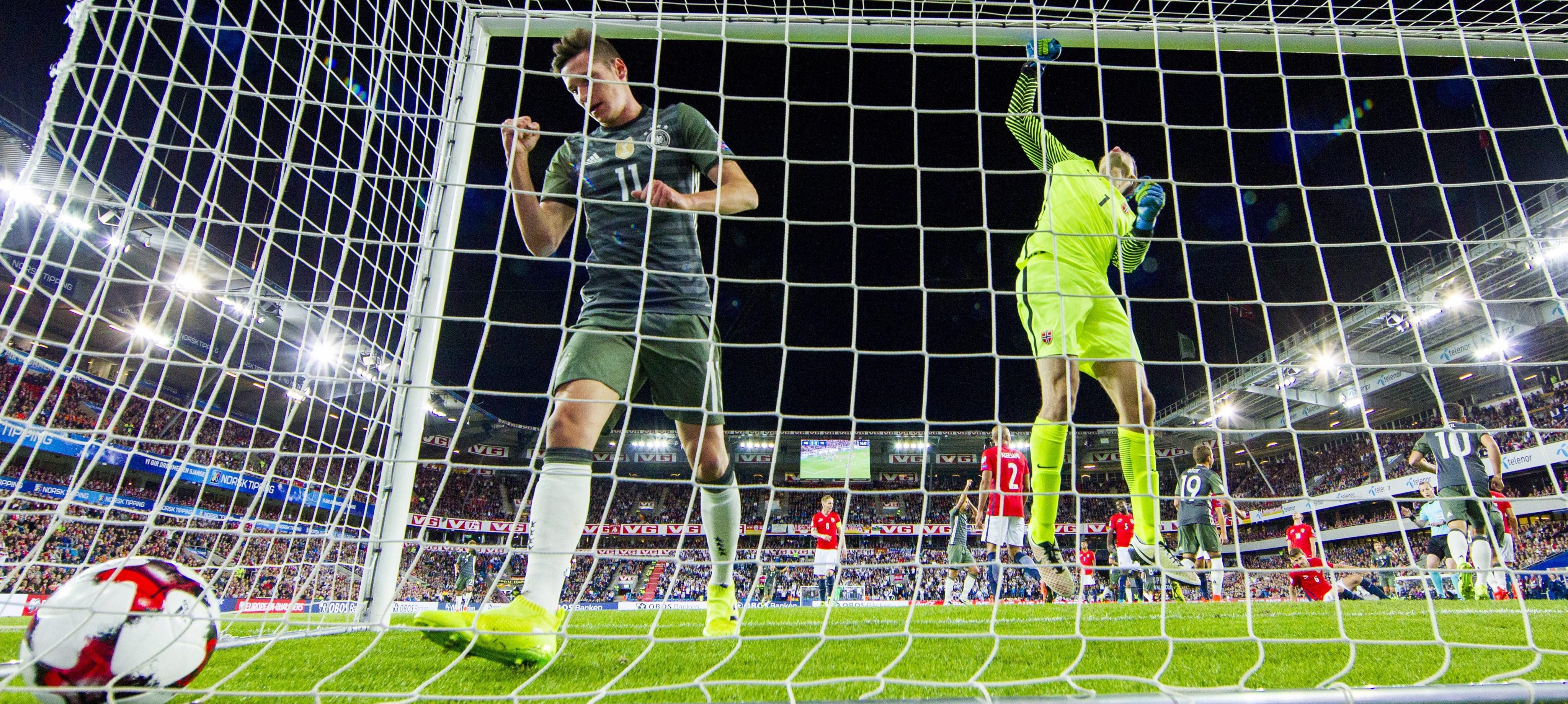 Alemania e Inglaterra ganaron en el inicio de la eliminatoria europea