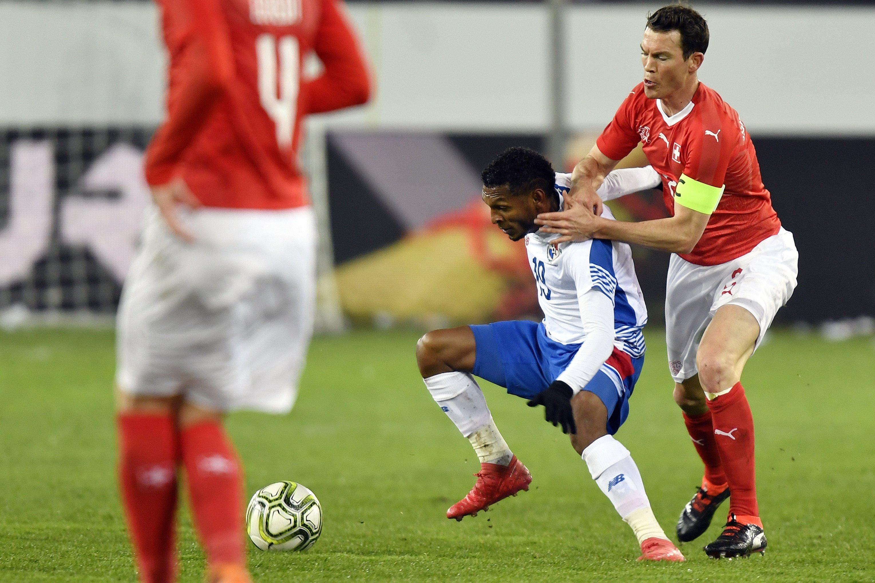 Panamá sufrió estrepitosa caída contra Suiza
